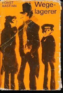 """shop.ddrbuch.de DDR-Buch; 12 Kapitel, mit schwarzen Zeichnungen von Thomas Schleusing illustriert; Für Leser ab 13 Jahre; """"Deutschland 1945. Krieg verwandelt Glück in Unglück, raubt den Kindern die Mütter, macht sie elternlos, heimatlos. Hungrig und verwahrlost ziehen sie über die Straßen. Jörg ist allein, ratlos, angstvoll, allein. Jörg findet und rettet ein anderthalb Jahre altes Mädchen, dessen Tränen Jörgs Kummer zurückdrängen, ihm keine Zeit lassen für eigene Tränen. Es beginnt die Nahrungssuche, Jörg stiehlt Brot, plündert Läden, geht betteln."""""""