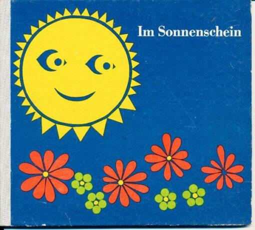 """shop.ddrbuch.de DDR-Buch, ab 6 Jahre, farbig gestaltet, Beim Durchblättern dieses Buches, beim Betrachten der liebenswerten und kunstvoll geschnittenen Darstellungen wird gewiß bei vielen Kindern der Wunsch aufkommen, """"so etwas"""" auch einmal selbst machen zu wollen. Und gerade das soll mit dem Büchlein erreicht werden, den Kindern Ansporn und Freude zu eigenschöpferischem Gestalten aus Buntpapier zu vermitteln. Mit Phantasie und ein wenig Geschick bietet sich eine Fülle von Möglichkeiten an, die auf mehreren Seiten erläutert werden"""